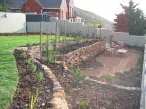 Rock retainer & gravelled seating area